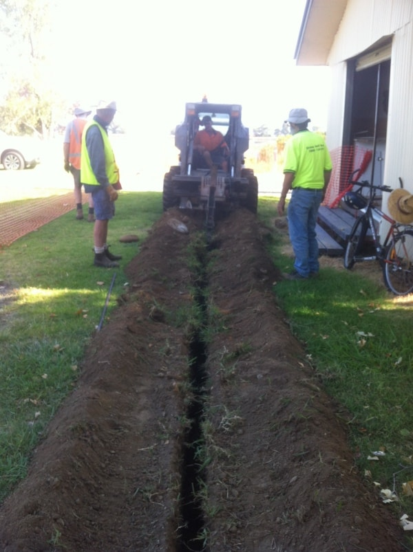 John Hunt & Ian Howley-Telstra trenching