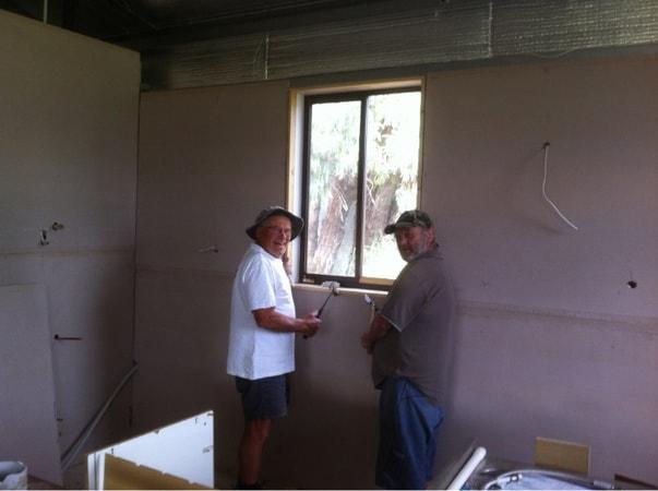 Gunter Lachs & Ian Erbacher (plasterboard installation)